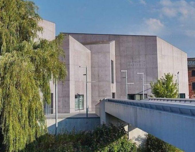 Hepworth Wakefield gallery 374kb lo res