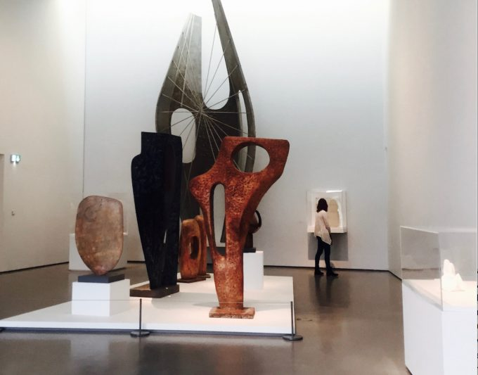 Hepworth wakefield sculture inside pic lo res Press